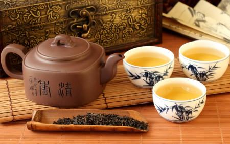 Как зеленый чай влияет на давление (повышает или понижает его)?