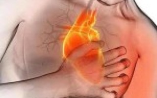 В области сердца давит