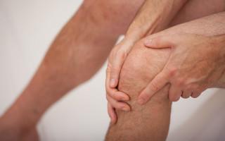 К какому врачу правильней идти родителям, если у ребенка возникают боли под коленкой