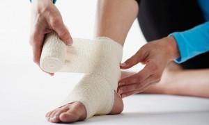 Из-за чего происходит разрыв связок голеностопного сустава, методы лечения, симптоматика травмы, применение ЛФК и физиотерапии
