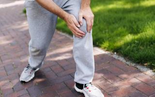 Причины, симптомы, методы диагностики и лечения болей в коленях у пожилых людей